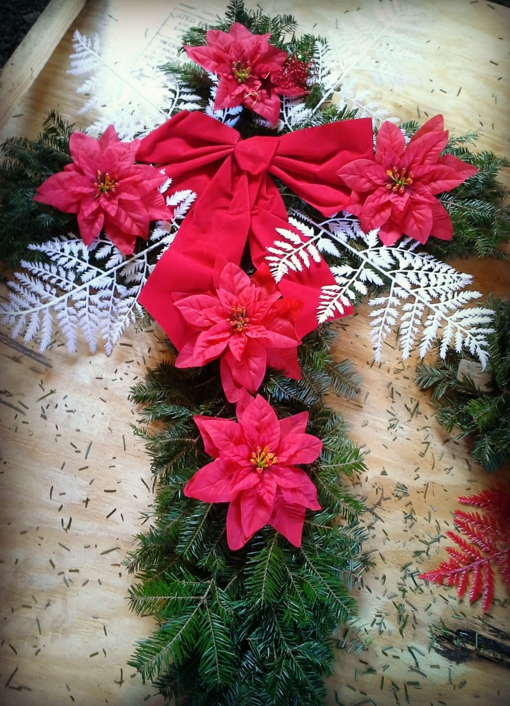 White Dog Farms Cross Wreath Red and White 11-20-17